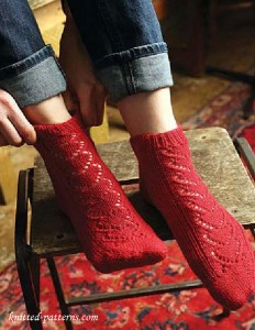 Lace socks knitting pattern free