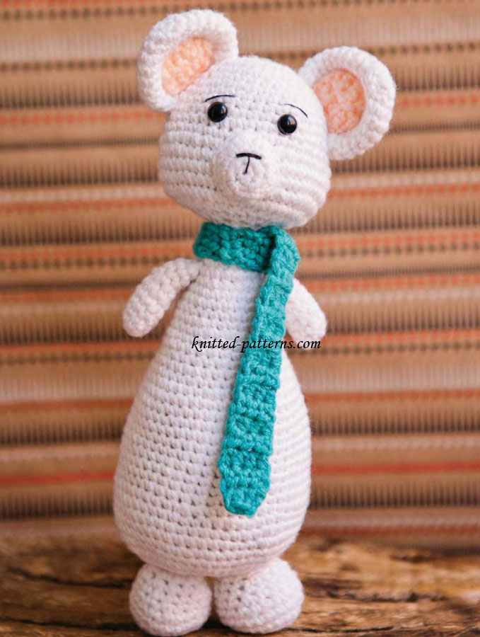 Knitting Pattern For Iggle Piggle Toy : Knitted Toy - Arctic Critter