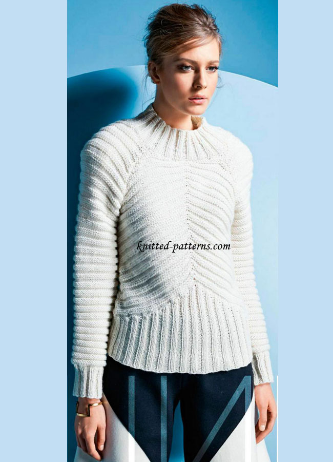 Ribbed pullover with raglan sleeves