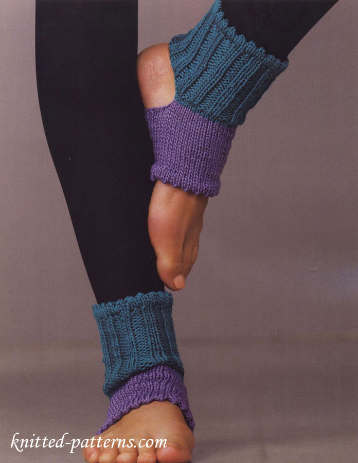 Knitting Women S Socks : Knitted yoga socks