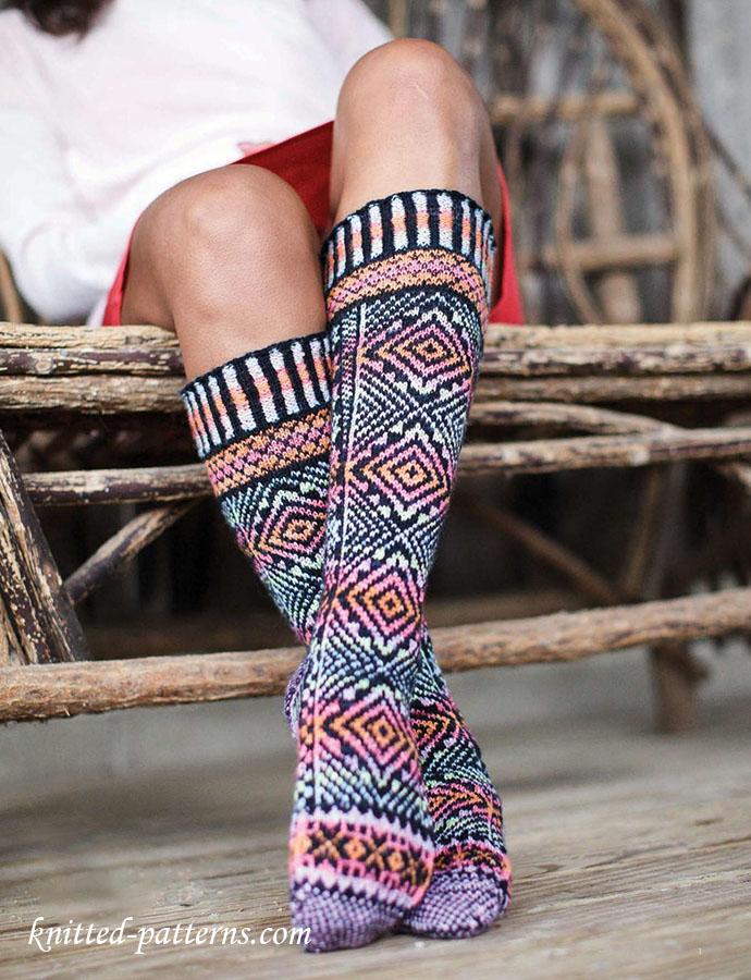 Knee High Socks Knitting Pattern : Knee high socks knitting pattern