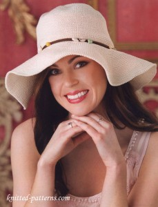 Crochet wide-brimmed hat free pattern