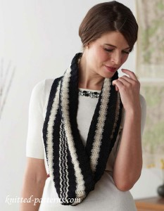 Striped cowl crochet pattern free
